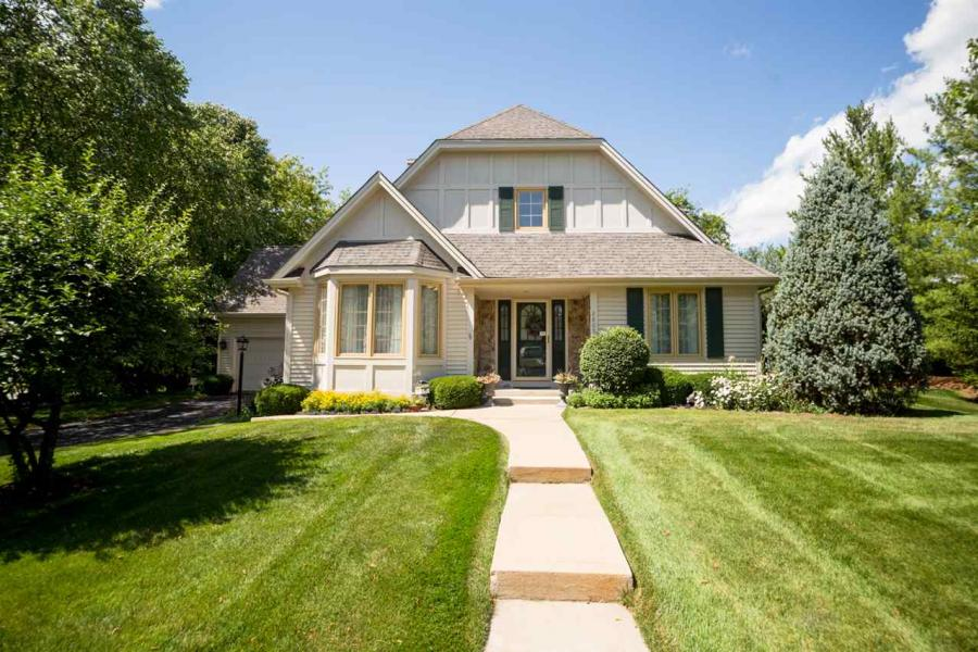 2805 Cotswold Rockford, IL 61114